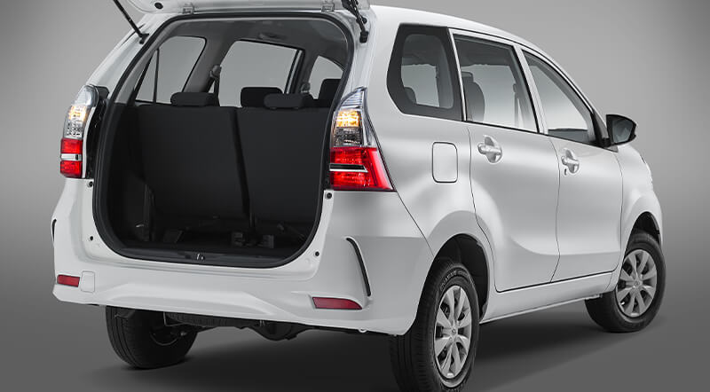 Toyota Avanza Trasero